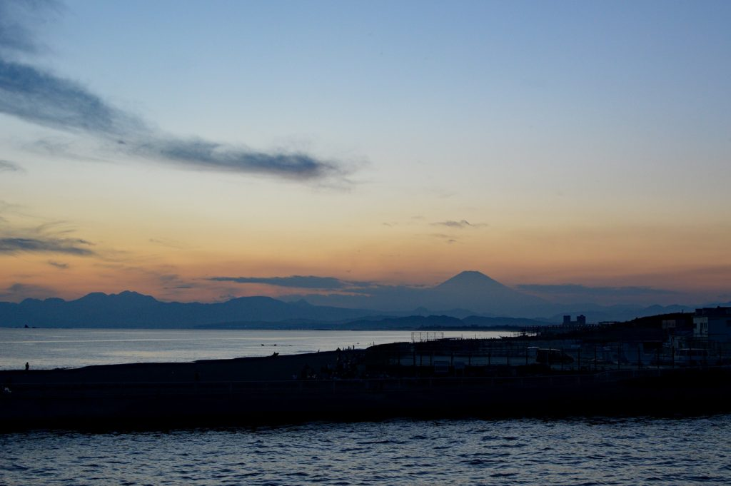 Fuji from the beach before the fireworks