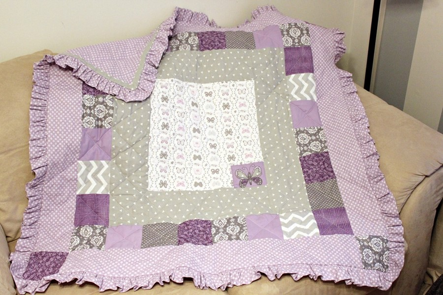 lavender and gray baby quilt