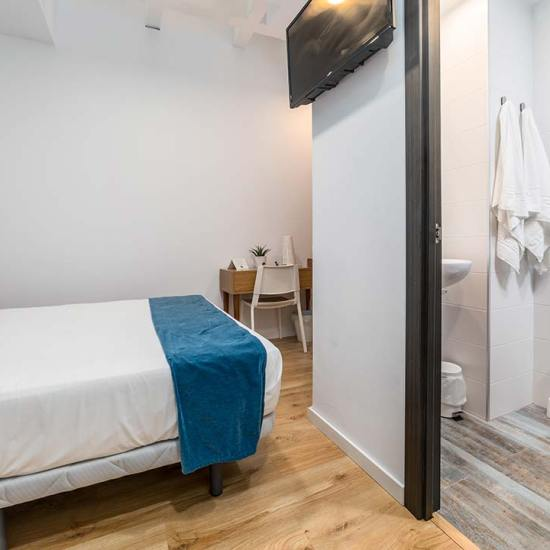 habitación doble hotel valencia puerto