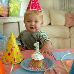Τα πρώτα του γενέθλια; Ώρα για πάρτι!