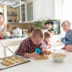 παιδιά και δουλειές του σπιτιού