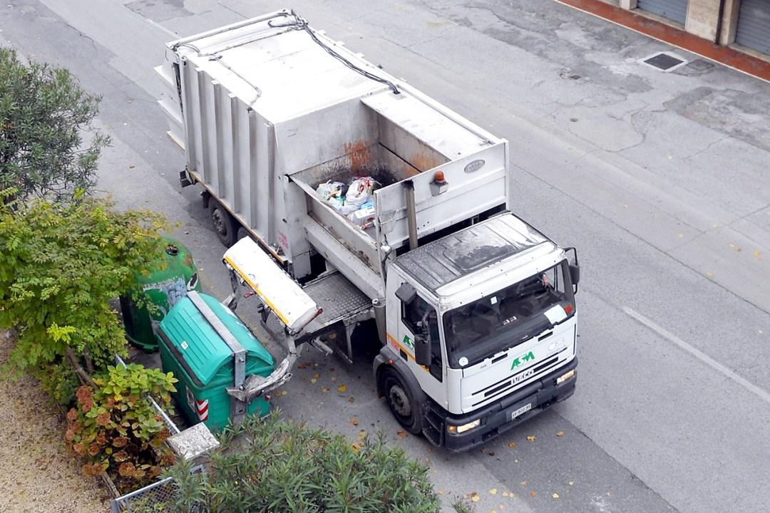 odpady lądują w jednej śmieciarce
