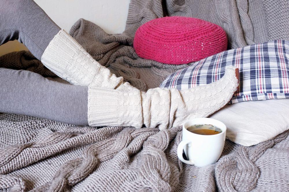podkolanówki ze swetra