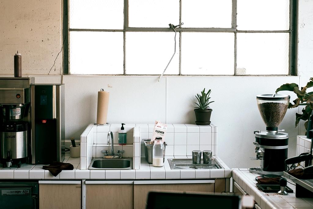 Marzy Ci się młynek koloidalny w kuchni? Sprawdź, co o nim mówią przepisy