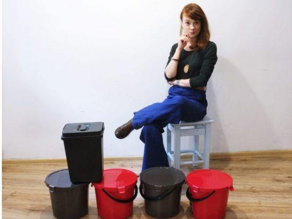 jak zmieścić kosze na śmieci