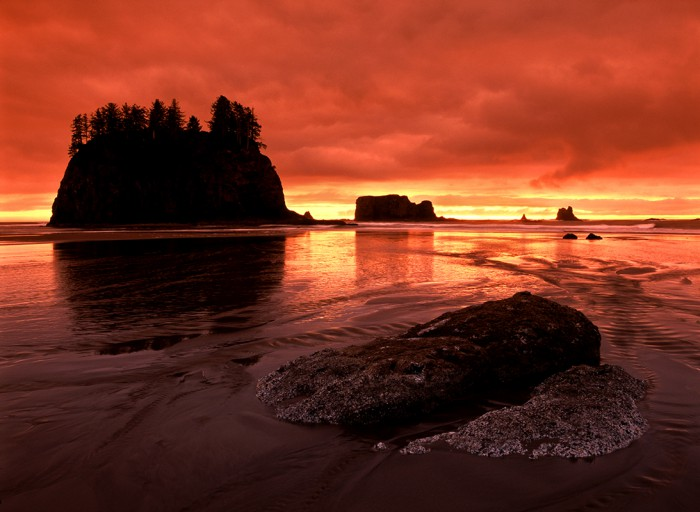 Sunset over the Pacific Ocean at Second Beach in Olympic National Park, WA.