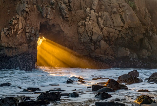 Pfeiffer Beach Keyhole Arch, Pfeiffer Big Sur State Park, California © Cathy DesRochers.