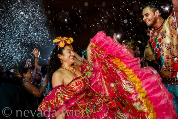 © Nevada Wier 2014. Barranquilla, Colombia: Carnival. Canon 5DMarkIII, Canon 24 f/1.4, 1/50sec at f/3.2, ISO 1600. Shutter Priority. Evaluative Metering. Daylight White Balance. Flash Fired.