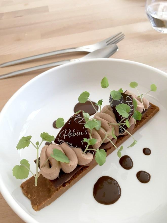 Gâteau au chocolat au Robin's : restaurant design et moderne à Nantes et bar à desserts chic