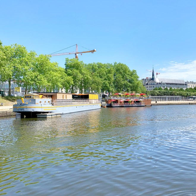 Bords de l'Erdre à Nantes en été