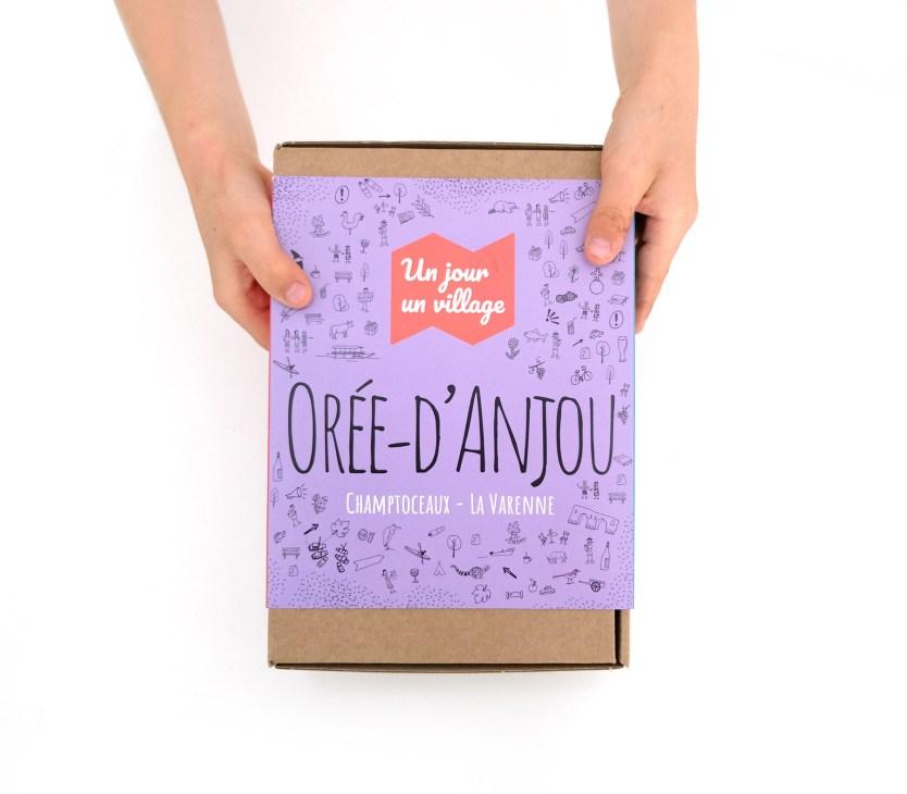 """La box """"Un jour, un village"""""""