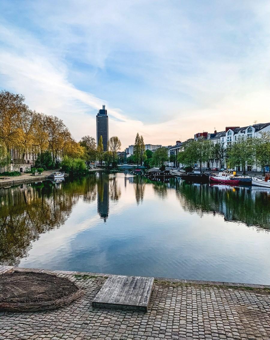 Coucher de soleil sur les bords de l'Erdre à Nantes