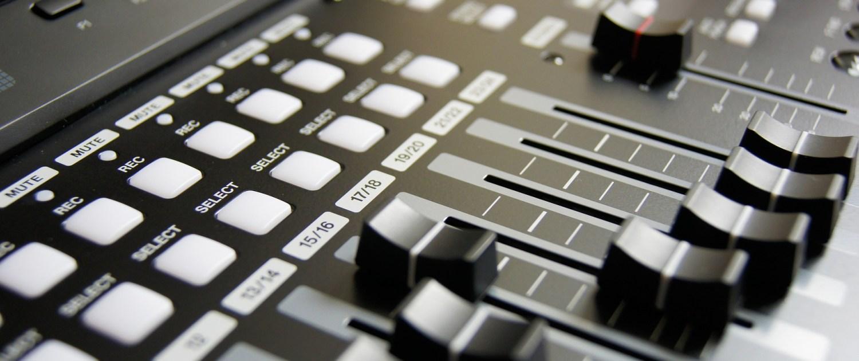 Sonorisation - Nantes Sono (44) Location de matériel de sonorisation de lumière et de vidéo