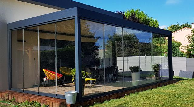 accessoire pergola bioclimatique rideau de verre coulissant