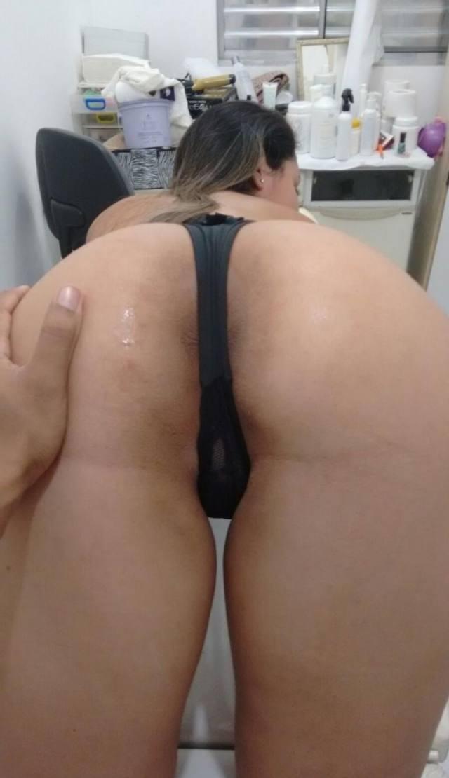 Baixinha gostosa vazou fazendo sexo com namorado