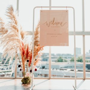 Industriële welkomstbord-standaard wit bruiloft
