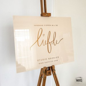 welkomstbord-bruiloft-Liefde-plexiglas-studio-naokies