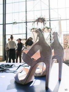 engaged_fair_delft_2016_high_heels_wedding