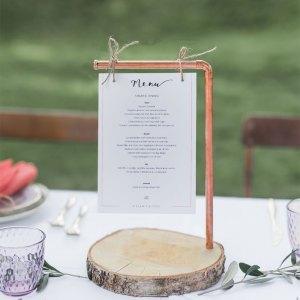 Koperen menukaart standaard hout bruiloft Studio Naokies Linda Jane Fotografie