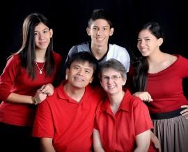 Boado 2013-Family-Photo-web-270x219