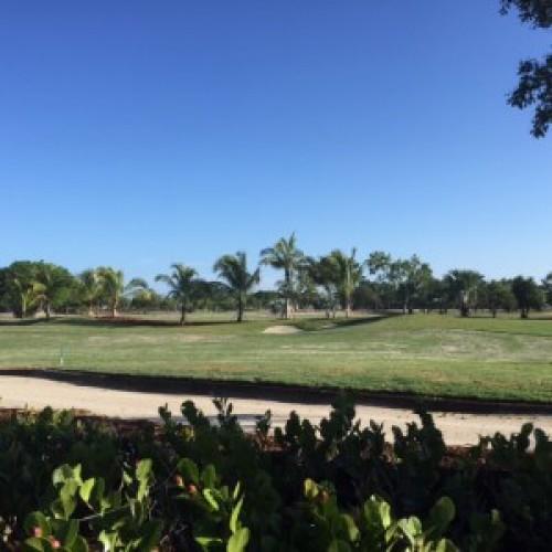 Beach Hotel Golf Club