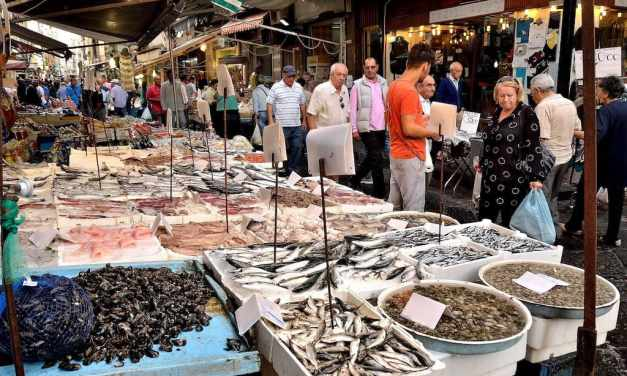 I mercatini rionali, lo shopping alternativo a Napoli