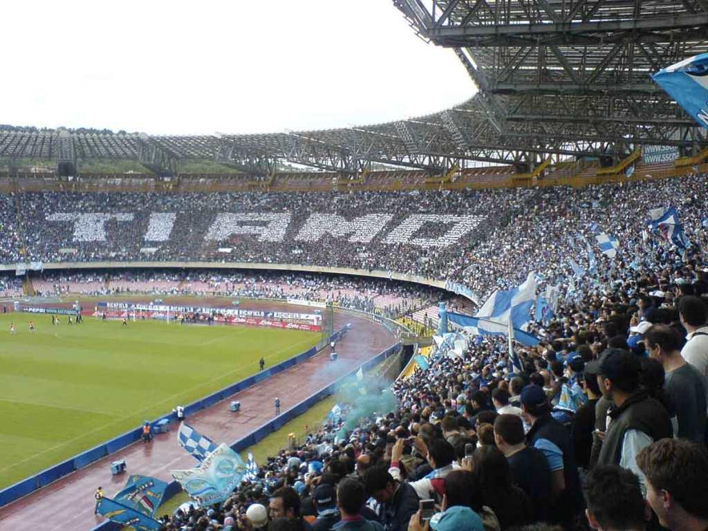Napoli e il Calcio, Stadio San Paolo
