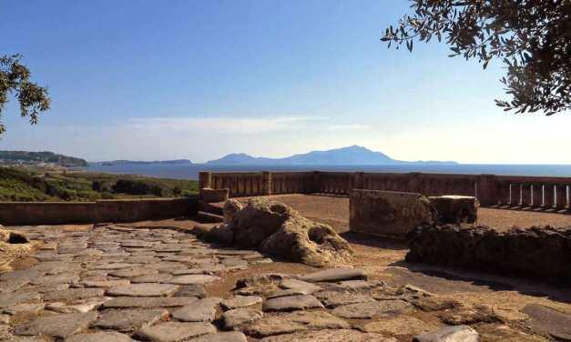 Lo Yoga all'acropoli degli Scavi di Cuma
