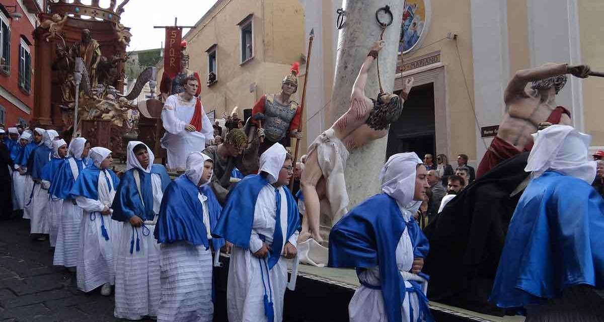 Pasqua in Campania, tra riti e processioni del Venerdì Santo