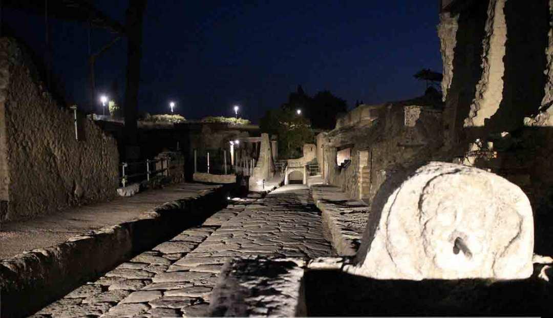 Visite serali agli scavi di Ercolano