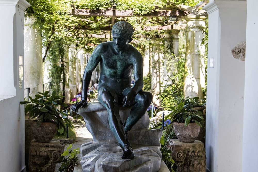 Turismo a Capri Villa San Michele. Busto di Tiberio