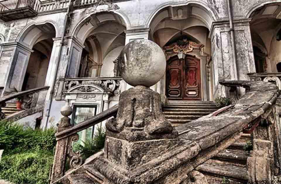 Museo delle arti sanitarie Napoli e Farmacia storica degli Incurabili