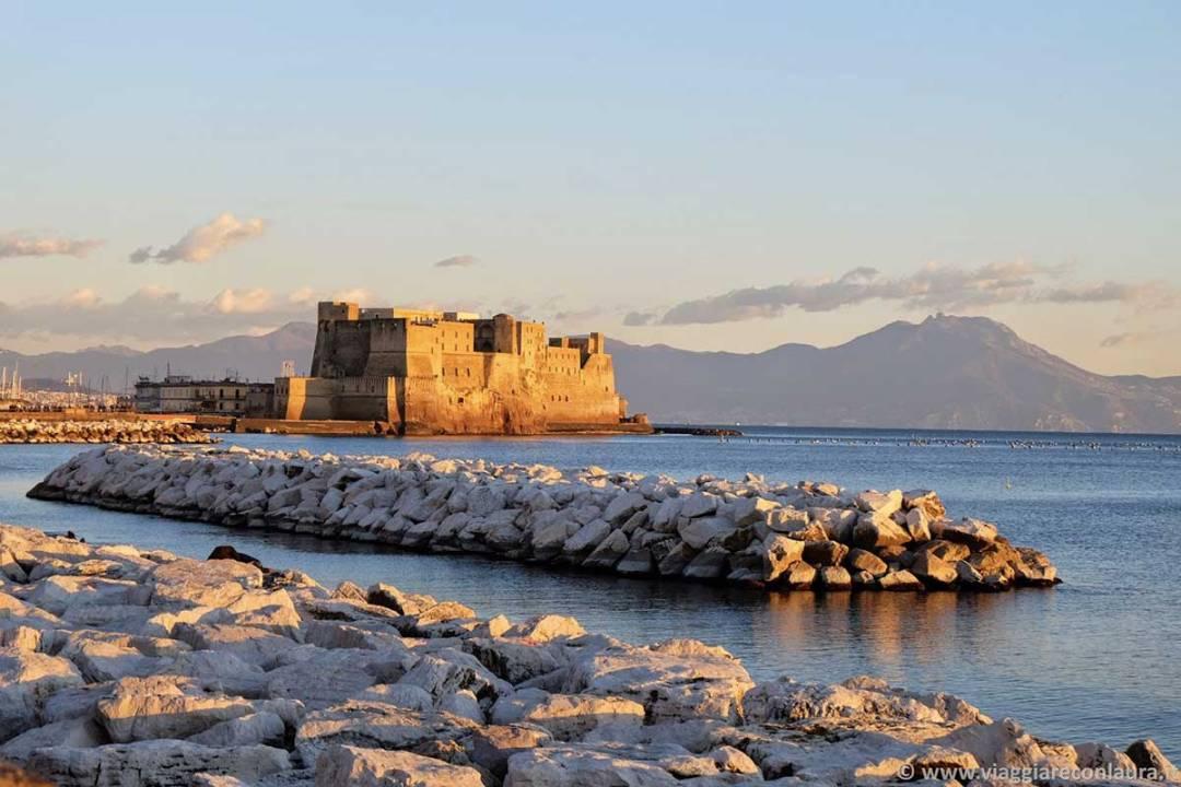 Lungomare di Napoli, Castel dell'Ovo