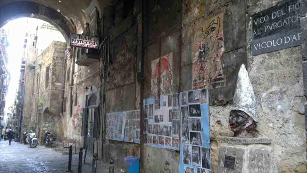 Pulcinella vico del Fico Napoli