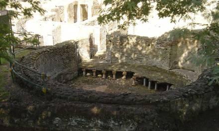 Complesso termale di via Terracina Napoli