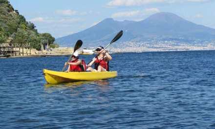 Tour in kayak, insoliti scorci di Napoli