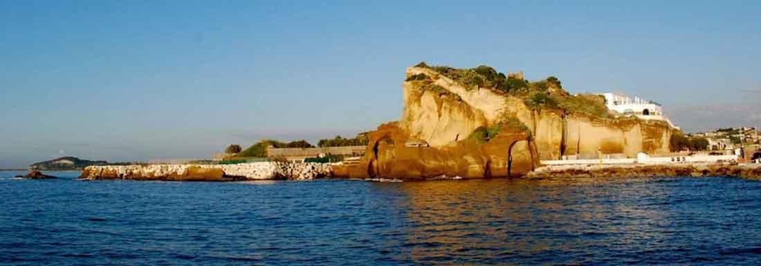 Torregaveta si scopre tra mare e archeologia