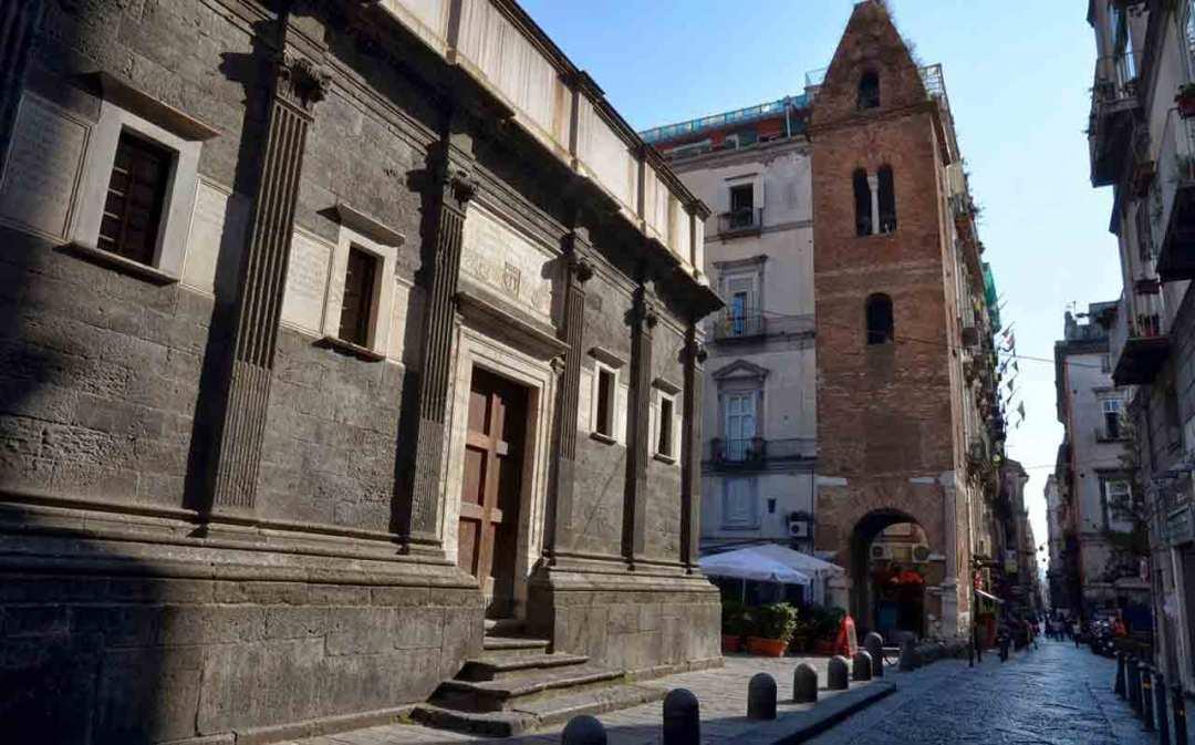 Cappella del Pontano, Decumano