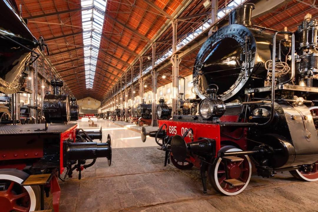 Al Museo Nazionale Ferroviario di Pietrarsa si entra con un libro