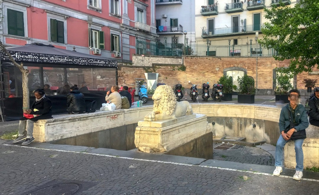 Fontana del Leone, Mergellina