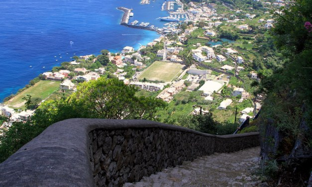 La Scala Fenicia di Capri, un capolavoro scolpito nella roccia