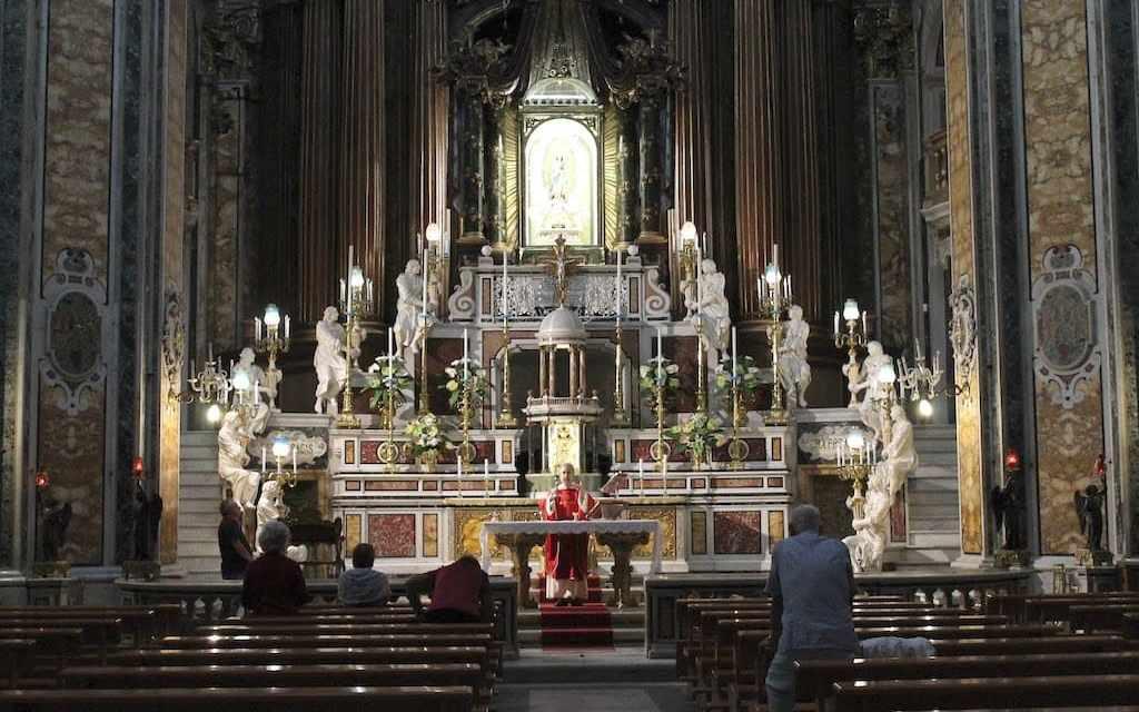 Basilica del Gesù Vecchio, la chiesa del sabato privilegiato