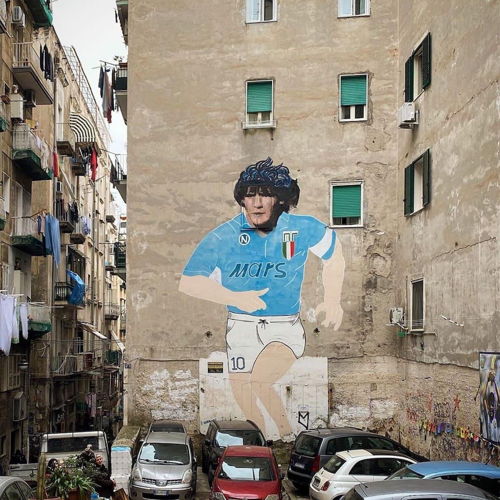 Maradona street art Napoli
