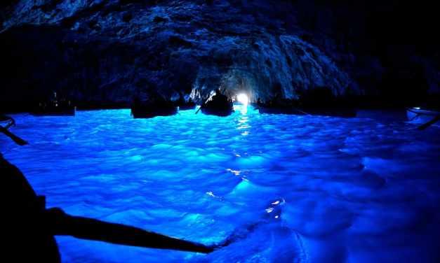 Capri, la leggendaria Grotta Azzurra