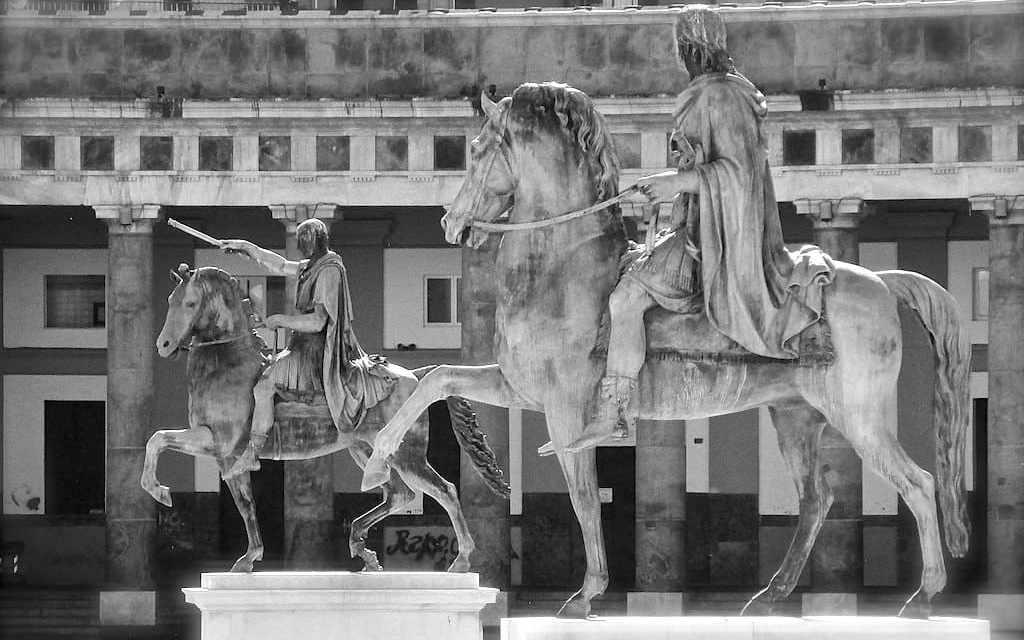Piazza Plebiscito, statue equestri di Carlo di Borbone e Ferdinando I delle Due Sicilie