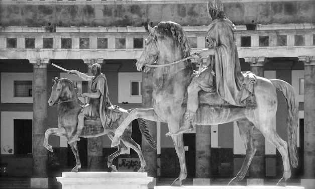 Piazza Plebiscito, le Statue equestri di Carlo III di Borbone e Ferdinando I