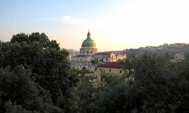 Capodimonte, la collina di Napoli con la Reggia Borbonica