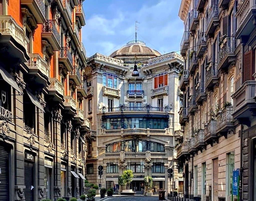 Palazzo Mannajuolo Napoli
