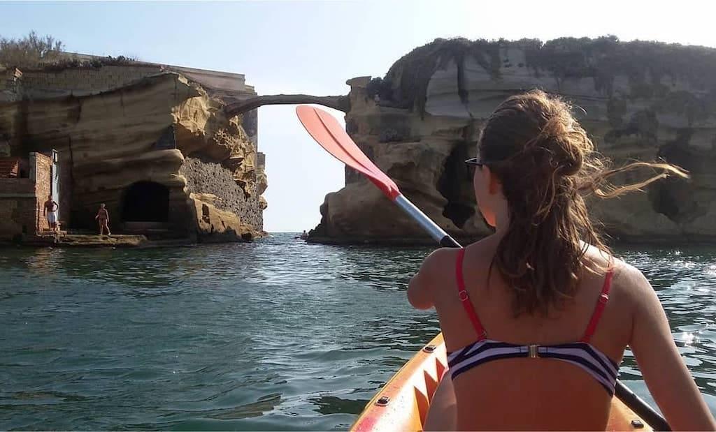 Scoprire Posillipo in Kayak con guida turistica