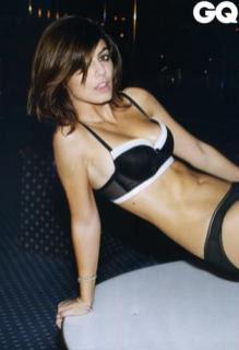 Alessandra Mastronardi sexy per QG (2)